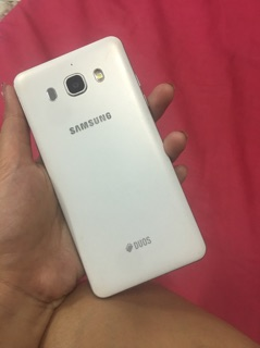 Image # 2 of Review Samsung j5
