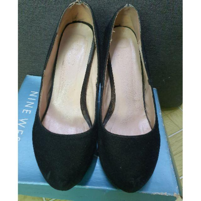 รองเท้าส้นสูงคัชชู สีดำ