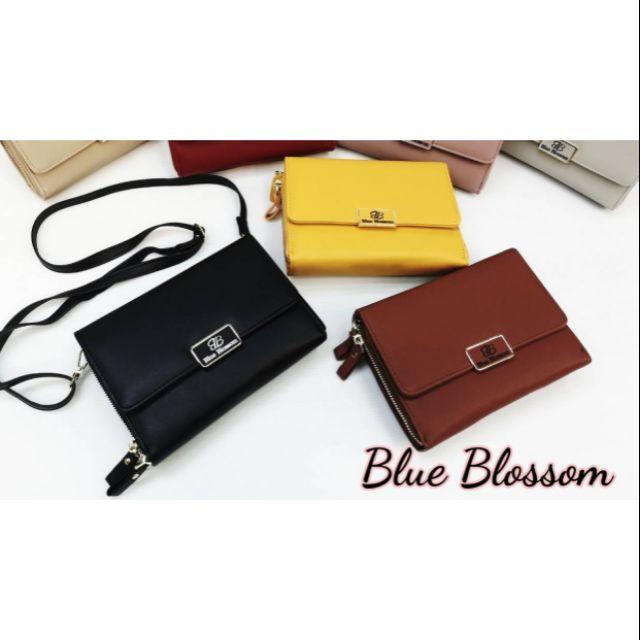 """กระเป๋าแบรนด์แท้ blue blossom ทรงฝาพับขนาด8""""สินค้าตามภาพพร้อมส่ง"""