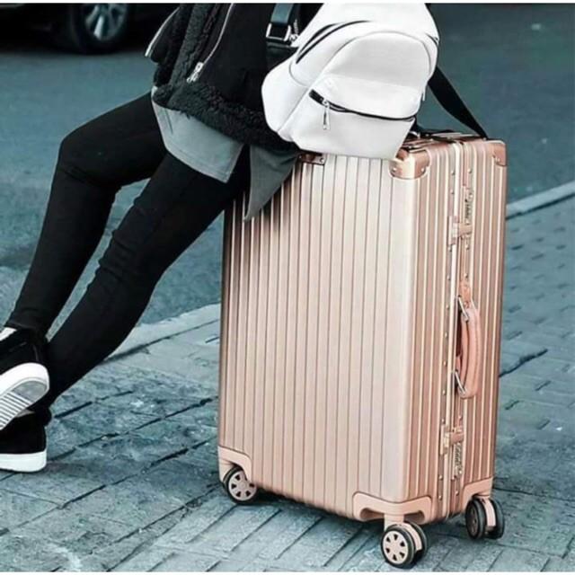 กระเป๋าเดินทาง กระเป๋าเดินทางล้อลาก สไตล์อลูมิเนียม กระเป๋าล้อลาก กระเป๋าเดินทาง
