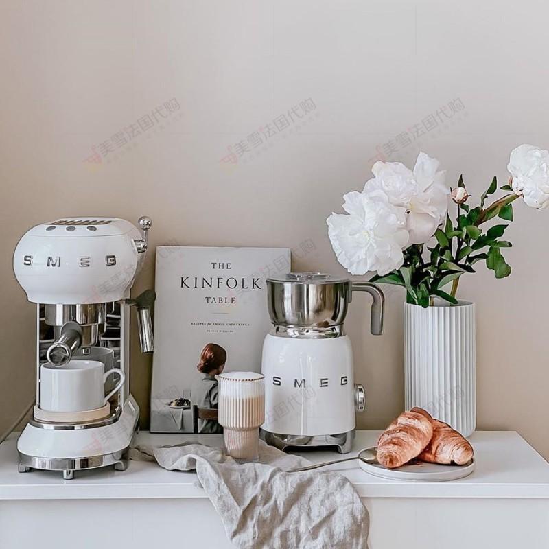 ゠らเครื่องชงกาแฟเครื่องชงกาแฟแคปซูลเครื่องชงกาแฟสดอิตาลีนำเข้าเครื่องทำฟองนมร้อนและเย็นใหม่ SMEG บ้านเครื่องทำฟองนมอัตโนม