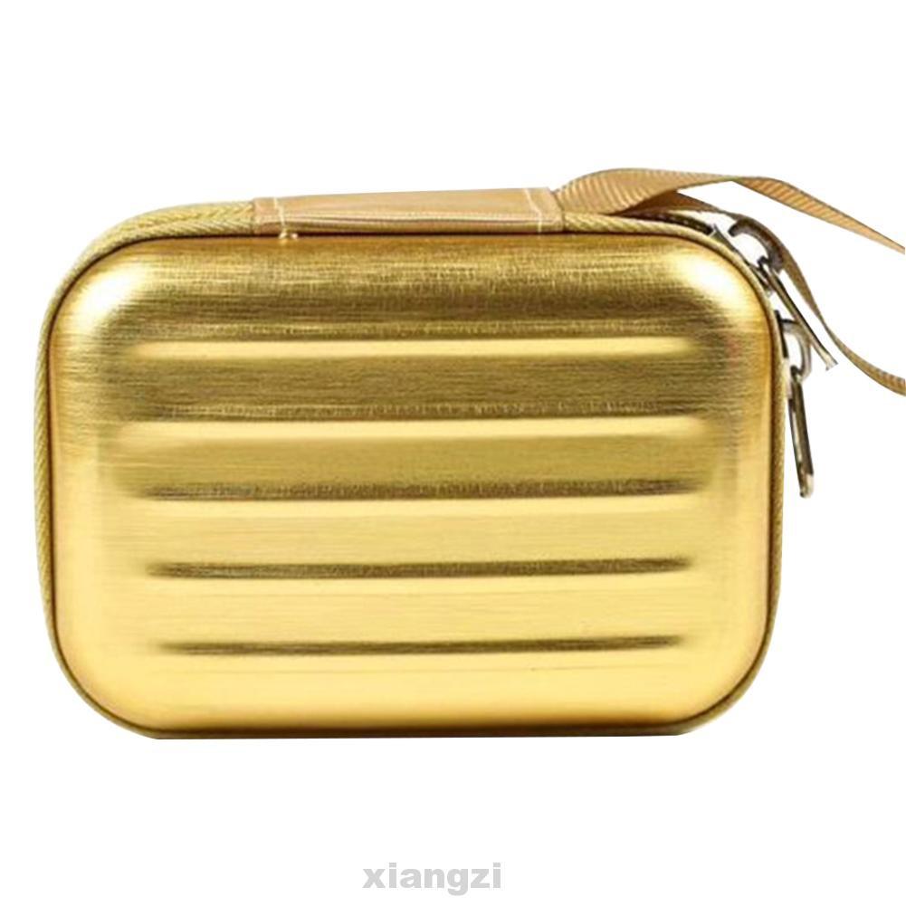กระเป๋าเดินทางแบบติดซิปใบเล็ก