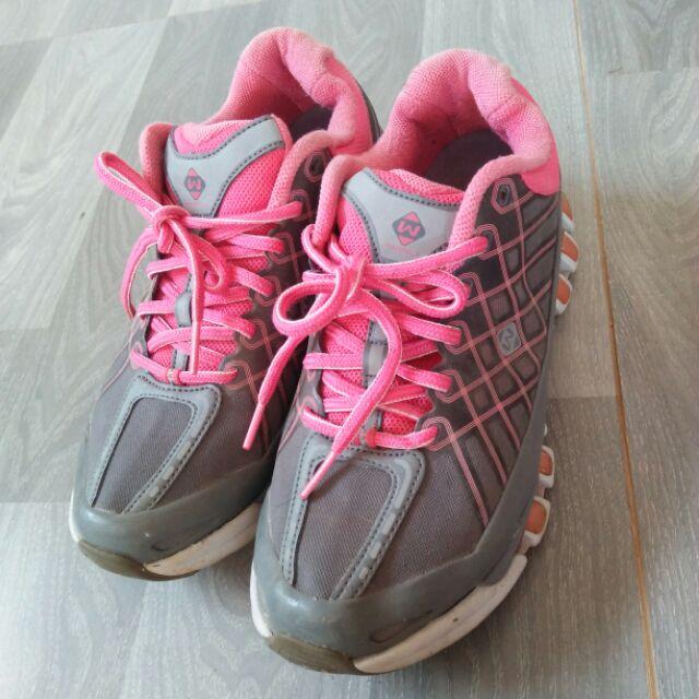 รองเท้า Prospecs แท้ มือสอง ไซส์ 36.5