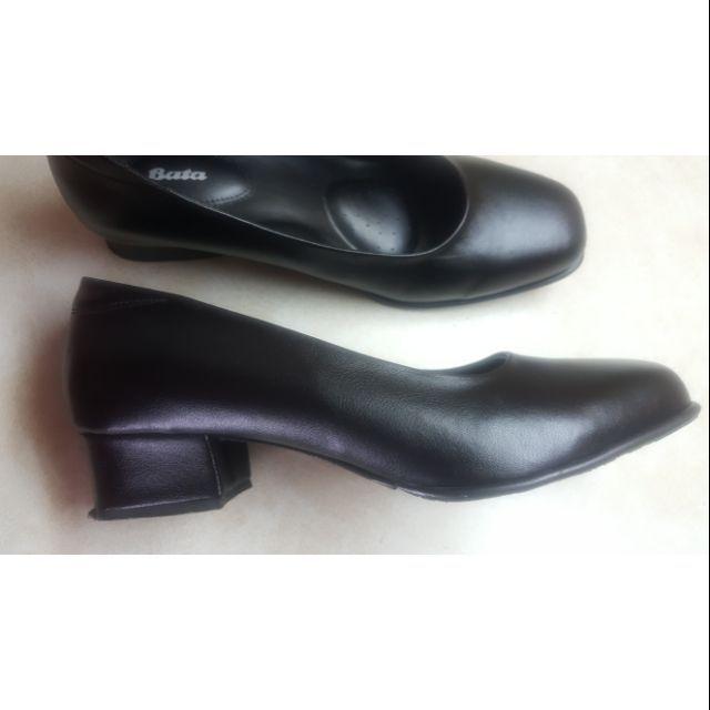 รองเท้าคัชชู มีส้น BATA เบอร์7