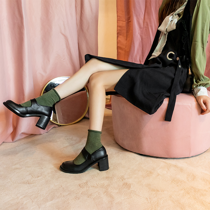 รองเท้าคัชชูหัวแหลมส้นสูงรองเท้าย้อนยุคผู้หญิงMary Jane2020ฤดูใบไม้ร่วงใหม่รองเท้าญี่ปุ่นขนาดเล็กหนากับรองเท้าตุ๊กตาหัวใ