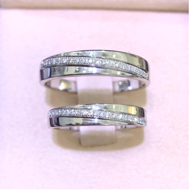 แหวนคู่ ทองคำขาว ฝังเพชรแท้ ราคาคู่ละ 15,900บาท