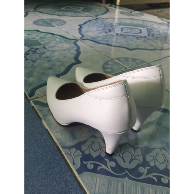 รองเท้าคัชชู สีขาว senso แท้