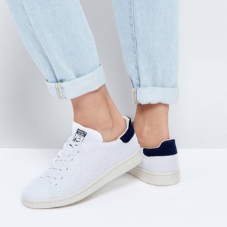 Adidas Originals Stan Smith trainers in white and navy