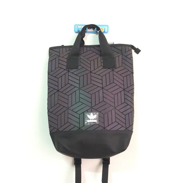 Adidas Originals 3 D กระเป๋าสะพายหลังเหมาะกับการพกพาเดินทาง