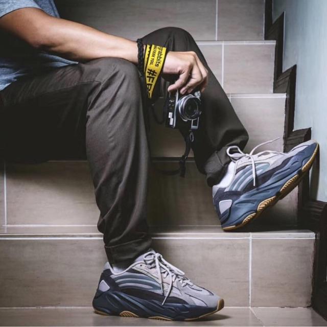 Adidas Yeezy Boost 700 v2 //TEPHRA//