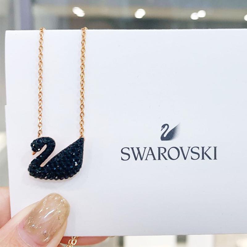 セЯกำนัลระดับสูงสุดSwarovski/Swarovski สีดำหงส์ Iconic Swan เสน่ห์คลาสสิกหญิงสร้อยคอโซ่กระดูกไหปลาร้า