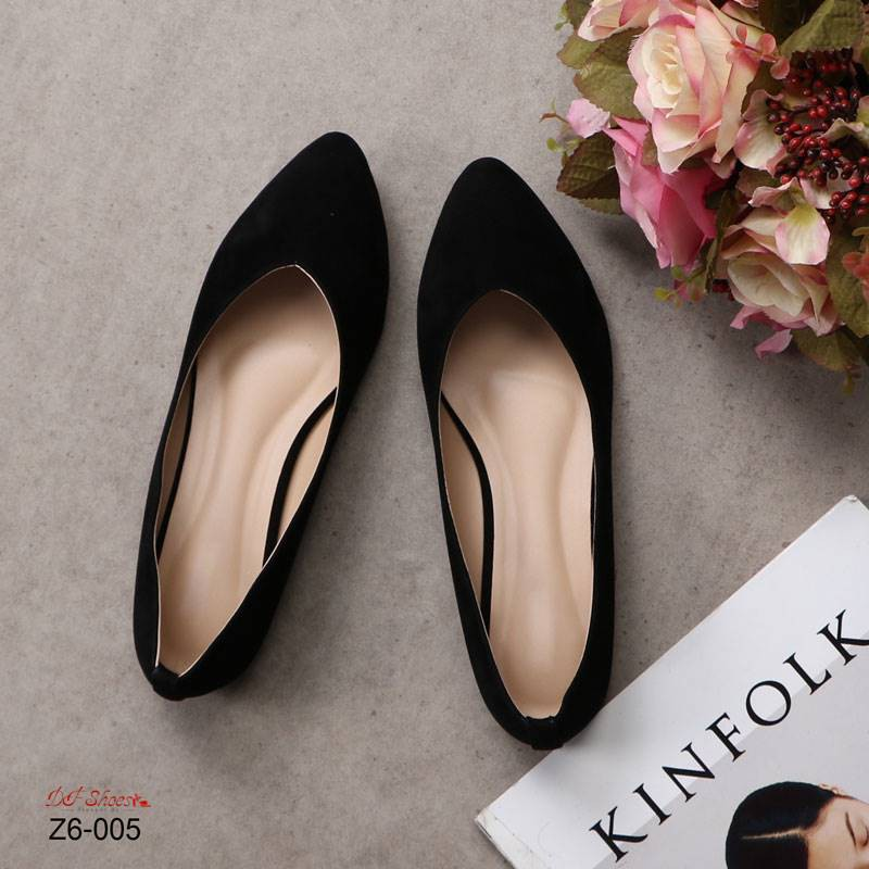 ส่งฟรี รองเท้าคัชชู รุ่นคลาสสิค ขายดีมาก หนังกำมะหยี่ ทรงสวย เท้าเรียวเก็บเท้า ใส่สบาย แมทง่ายทุกชุดทุกโอกาส สีดำ