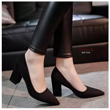 คัชชูหัวแหลม ส้นสูงหนา ผู้หญิง รองเท้าส้นสูงแฟชั่นขายดี รองเท้าคัชชูส้นสูง 2.5 นิ้ว  F077