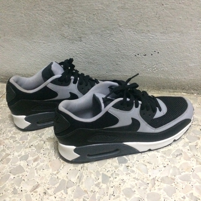 Nike air max90