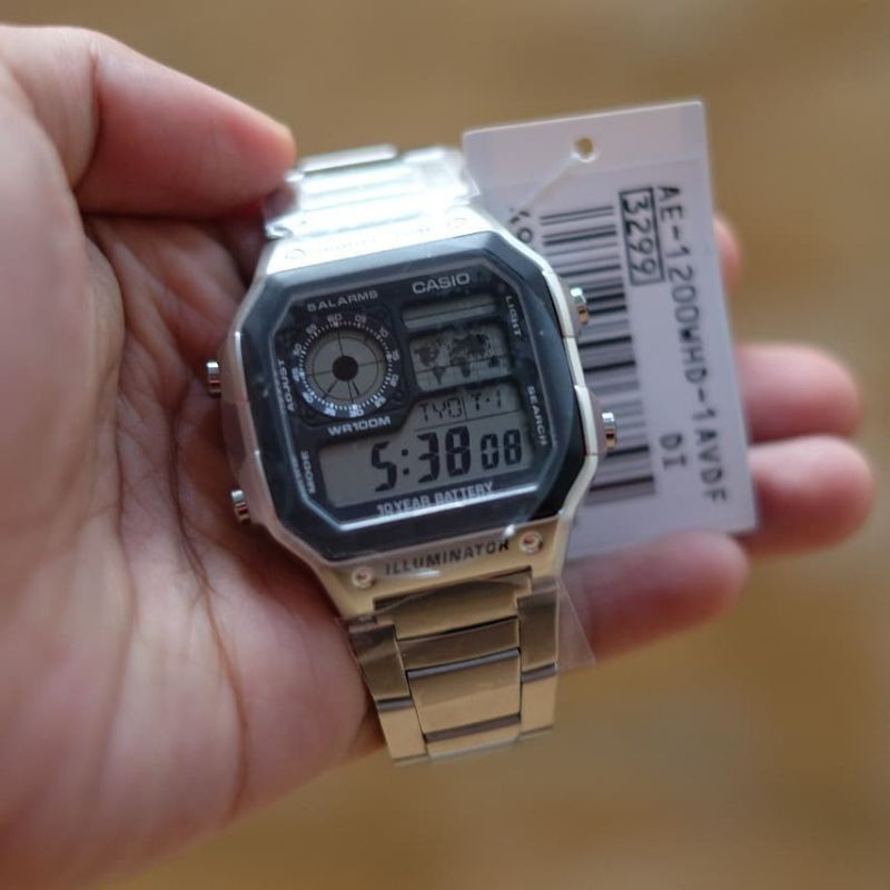 Casio Illuminator นาฬิกาข้อมือสายสแตนเลส
