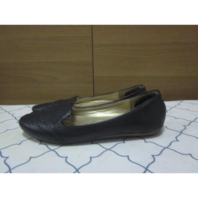 รองเท้าคัชชูสีดำ