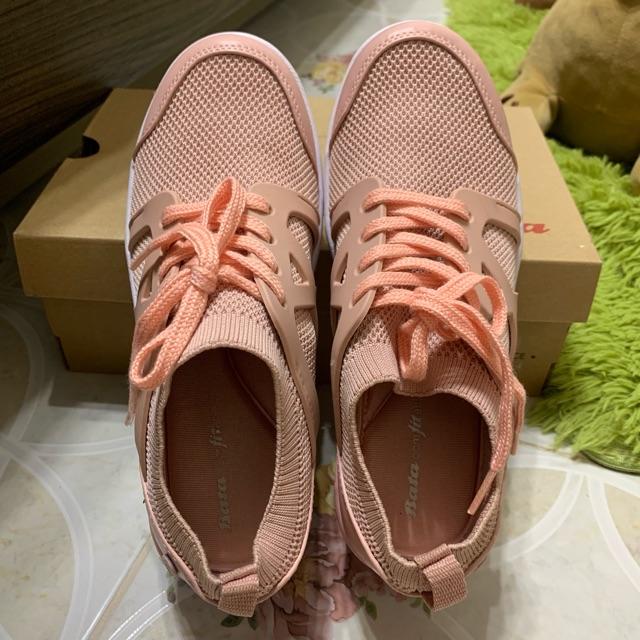 รองเท้าผ้าใบ Bata ใหม่มาก