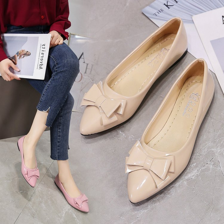 รองเท้าคัชชูหัวแหลมผู้หญิงก้นแบน 2020 ใหม่โบว์สีดำหญิงฤดูร้อนทั้งหมด