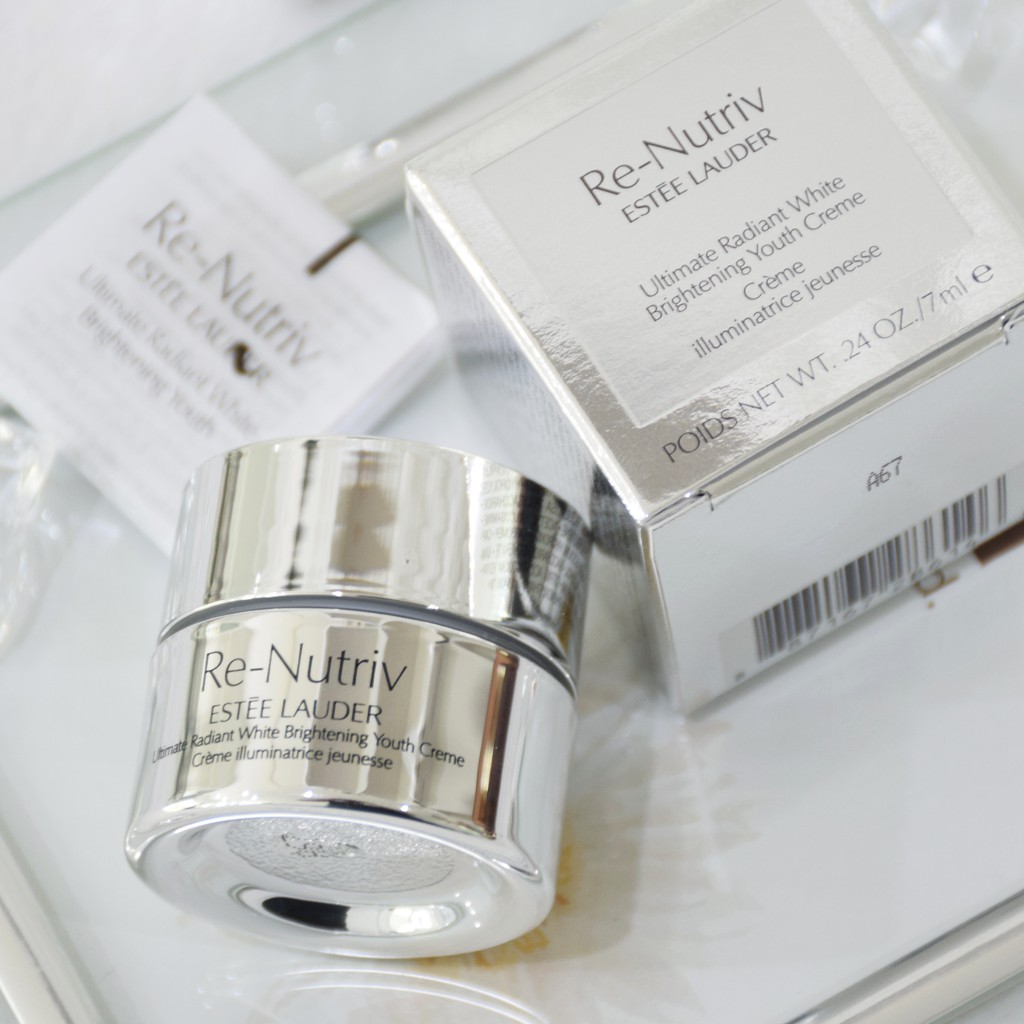 ESTEE LAUDER, ESTEE LAUDER Re-Nutriv Ultimate Radiant White Brightening Youth Creme, ESTEE LAUDER Re-Nutriv Ultimate Radiant White Brightening Youth Creme รีวิว, ESTEE LAUDER Re-Nutriv Ultimate Radiant White Brightening Youth Creme ราคา, ESTEE LAUDER Re-Nutriv Ultimate Radiant White Brightening Youth Creme 5 m., ESTEE LAUDER Re-Nutriv Ultimate Radiant White Brightening Youth Creme 7 ml. ครีมบำรุงผิวกระจ่างใส สีผิวดูสม่ำเสมอยิ่งขึ้น ทั้งช่วยป้องกันและลดเลือนจุดด่างดำ