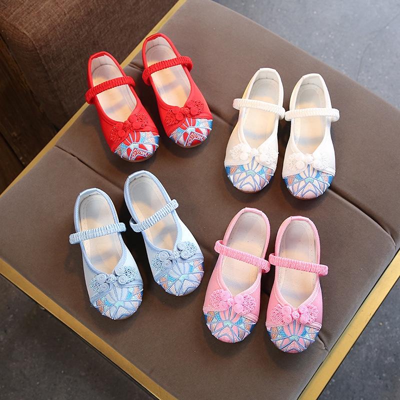 รองเท้าคัชชู ปักลาย แต่งกระดุม หรูหรา สไตล์จีน แฟชั่นสำหรับเด็กผู้หญิง