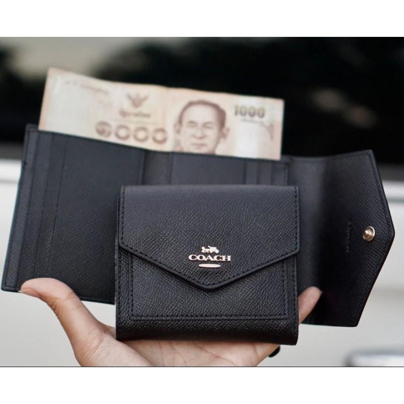 🎀 (สด-ผ่อน) กระเป๋าสตางค์  พร้อมกล่อง ใบสั้น 2 พับ สีดำ COACH 58298 SMALL WALLET Crossgrain leather
