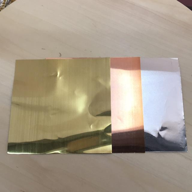 แผ่นทองหล่อพระ (ทองเหลือง , ทองแดง, เงิน) 5*5 ราคายกห่อ 100 แผ่น