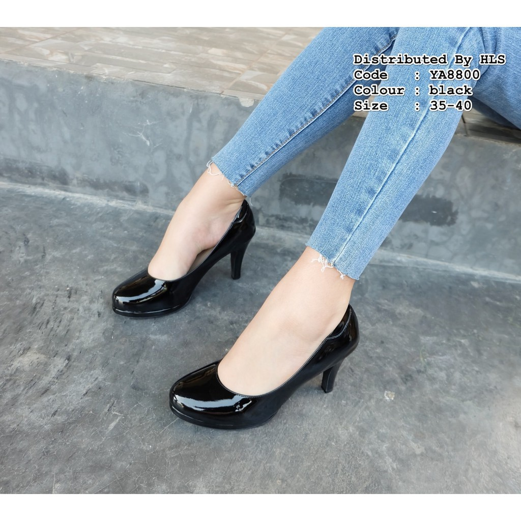 รองเท้าคัชชู รองเท้าส้นสูง สีดำ