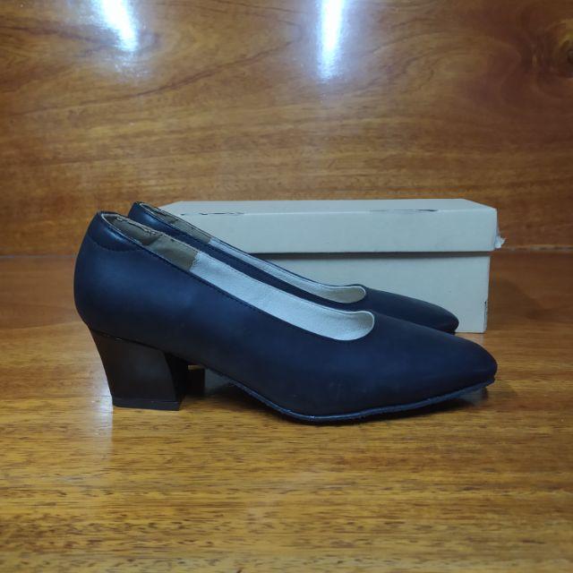 รองเท้าคัชชูสีดำผู้หญิง size5
