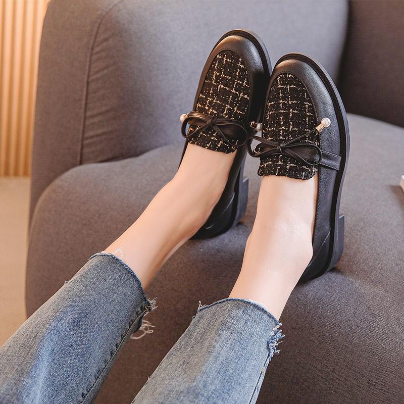 ร้องเท้า รองเท้าผู้หญิง รองเท้าคัชชู ❊意㝩㝩皮รองเท้าผู้หญิงฤดูใบไม้ร่วงและฤดูหนาวใหม่บวกกำมะหยี่สีดำรองเท้าเดียว Yinglan ลม