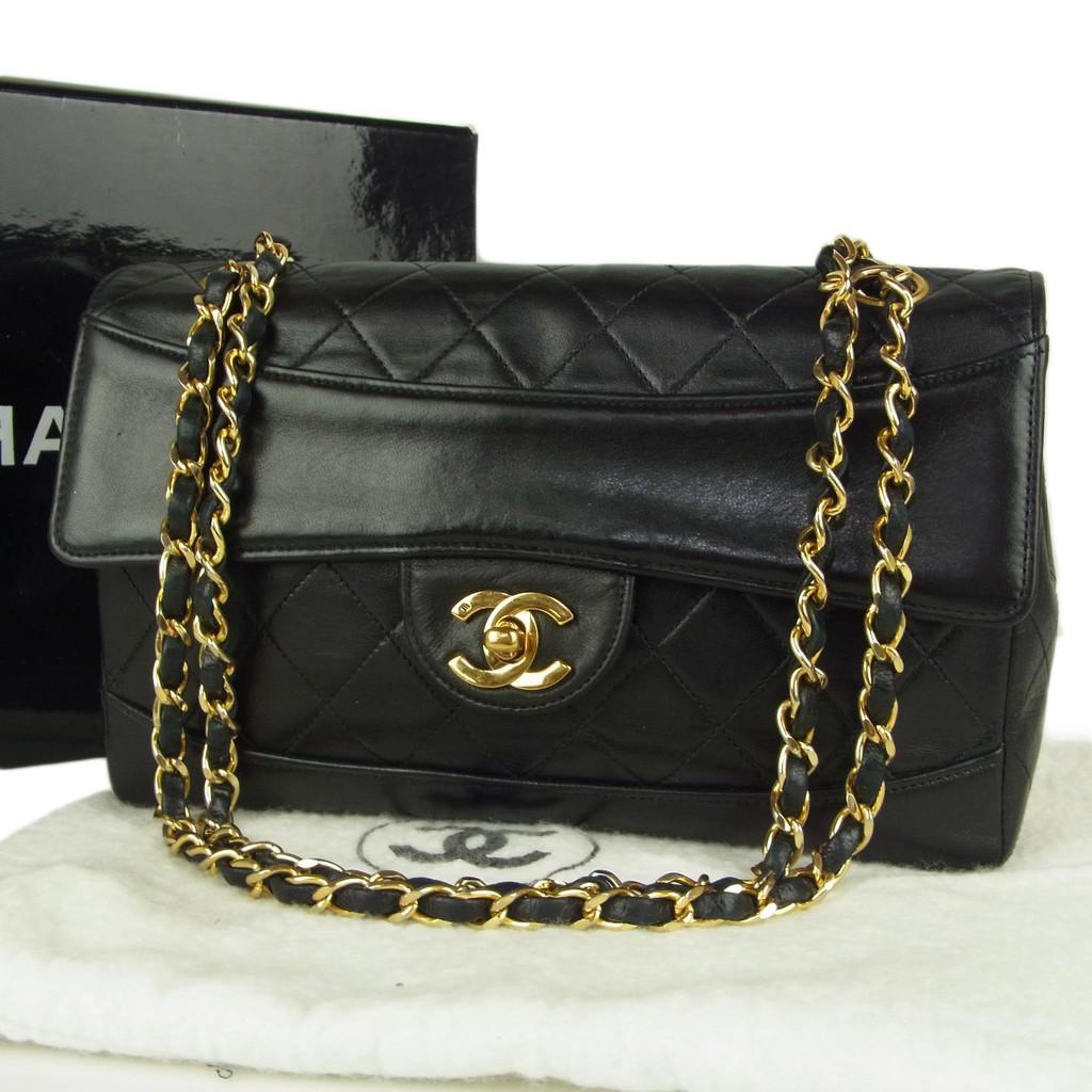 แท้จริงแท้ 100% กระเป๋าสะพาย CHANEL Vintage CC Coco Logos Matelasse Quilted Chain Shoulder Bag มือสอง 915