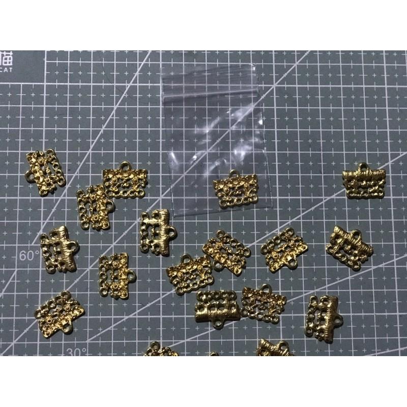 309โลหะห่วงห้อยสีทอง(ขนาดตามรูป) 1 ชิ้น ราคา 7 บาท