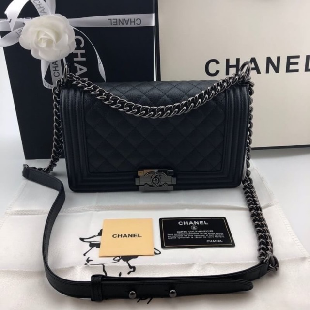 Chanel boy soft caviar skin cow leather  Grade original  Size 25 cm