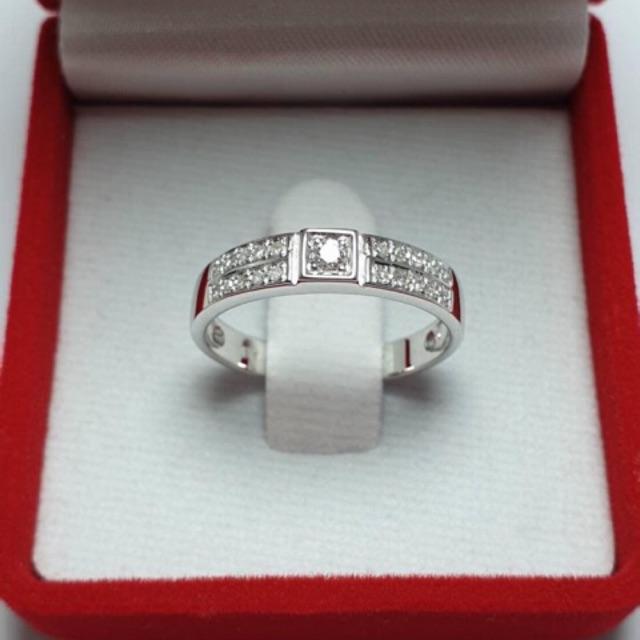แหวนชายทองคำขาวแท้9k เพชรเกสร1เม็ด5ตัง บ่าข้างเพชรกุหลาบ20เม็ด10ตัง [โปรดระบุไซส์ทางแชท]