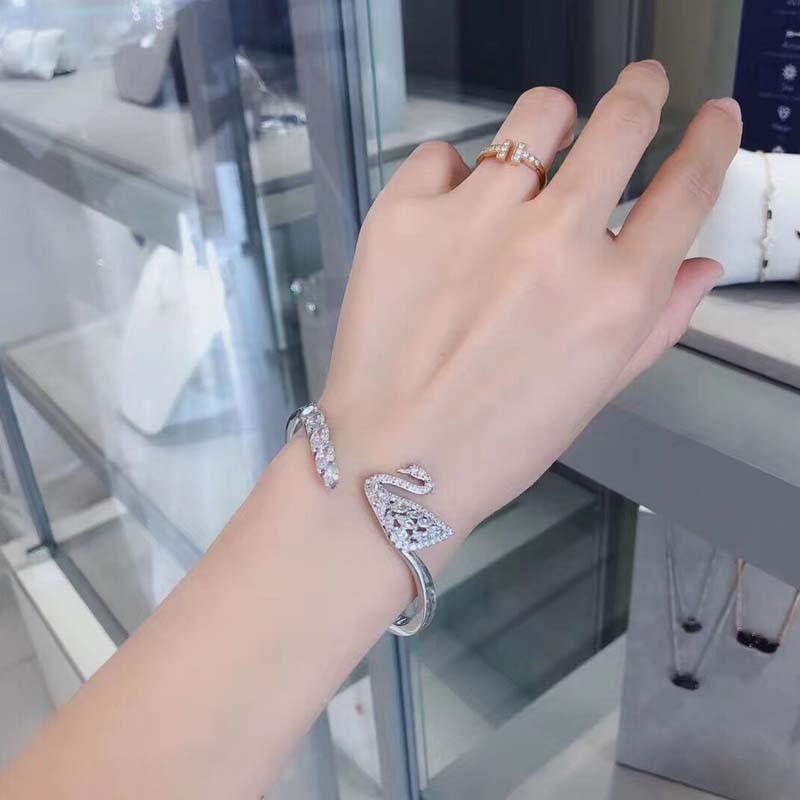 สร้อยข้อมือ Bracelets ของแท้Swarovski/สวารอฟสกี้คู่หงส์กลวงสร้อยข้อมือหญิงสร้อยข้อมือเงินหงส์เปิดหญิง