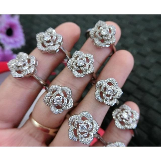 แหวนเพชรหุ้มทองคำขาว งานสวย งานทน ราคาเบาๆ