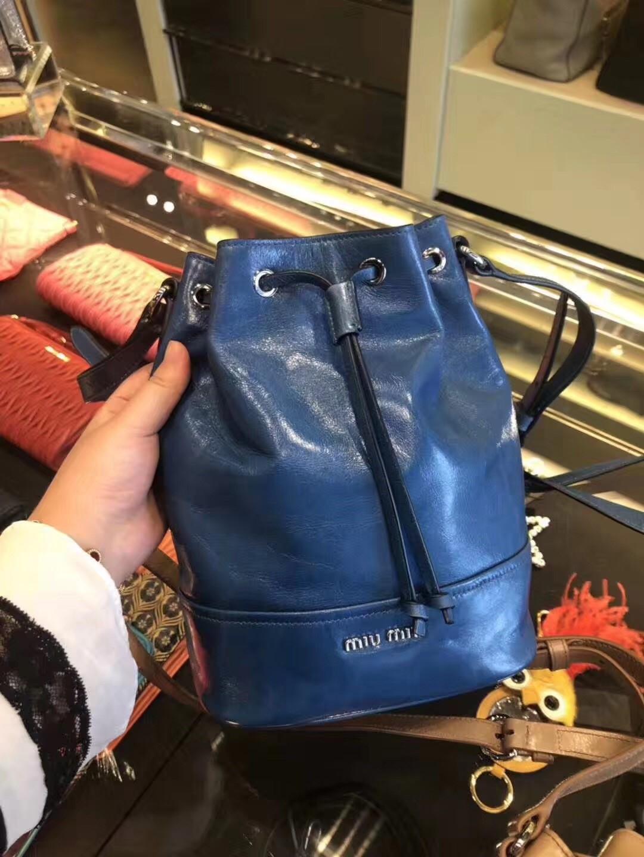 ⋛なกระเป๋ากีฬาหูรูดกระเป๋ากีฬาคาดเอวกระเป๋ากีฬากระเป๋าเดินทางMiuMiu/อะโวคาโดผิวdrawstringถุงถังสดใสกระเป๋าสะพายกระเป๋าถือ