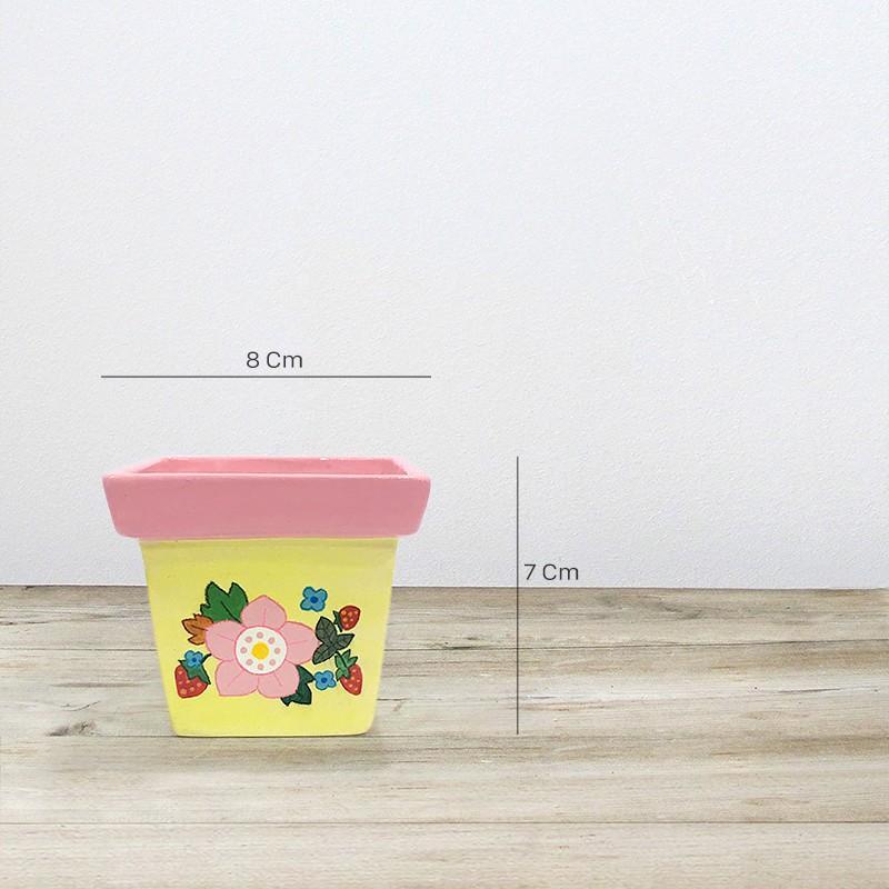 กระถางต้นไม้ Pink yellow strawberry flowers  เหมาะสำหรับ กระบองเพชร / อวบน้ำ / ต้นไม้มงคล