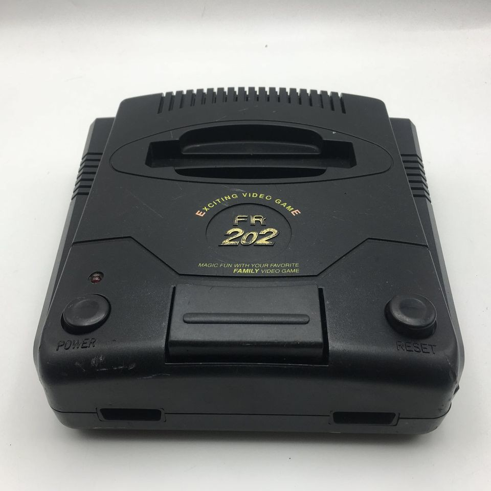Family รุ่น FR202 โลโก้นูนพิมพ์ทอง มีให้เฉพาะตัวเครื่องนะ เทสแล้ว ใช้งานได้ดีเป็นปกติ เผื่อใครเล่น เครื่องตระกูล FR202