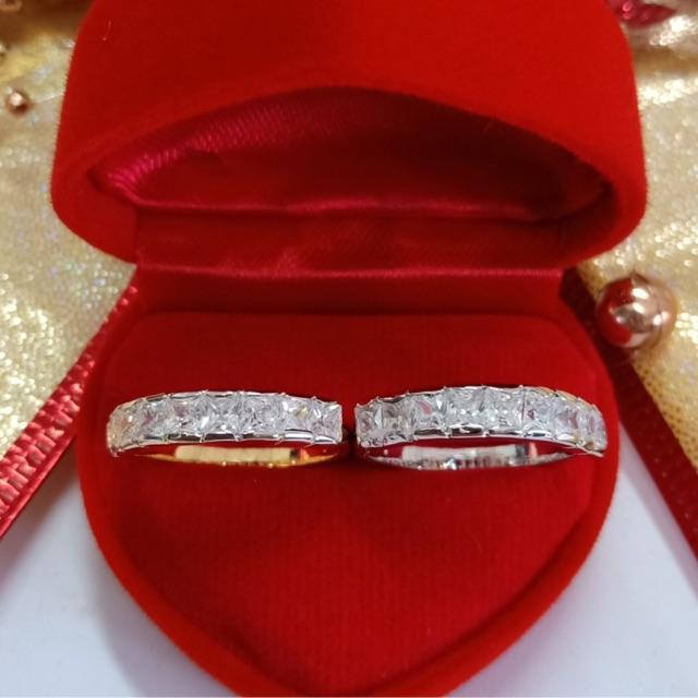 แหวน เพชร cz แถวเหลี่ยม 9 เม็ด ชุบทองไมครอน และทองคำขาว ราคาพิเศษ