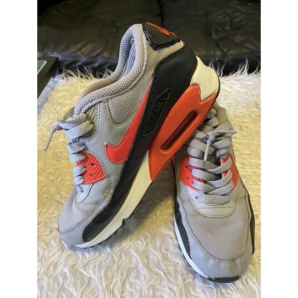 Nike Air Max 90 ไนกี้ สีเทาสภาพดี เบอร์ 36 📌