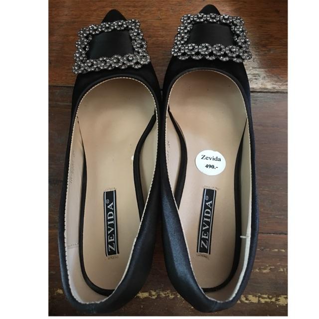 รองเท้า คัชชู สีดำของใหม่