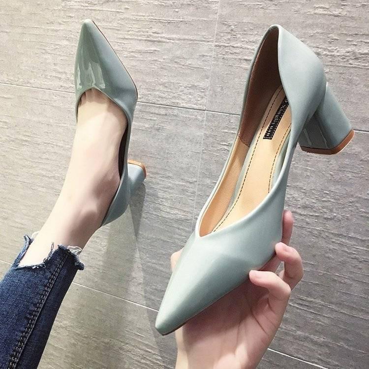รองเท้าคัชชูส้นหนาหัวแหลมสีดำมืออาชีพปั๊มส้นสูงส้นสูงรองเท้าผู้หญิง