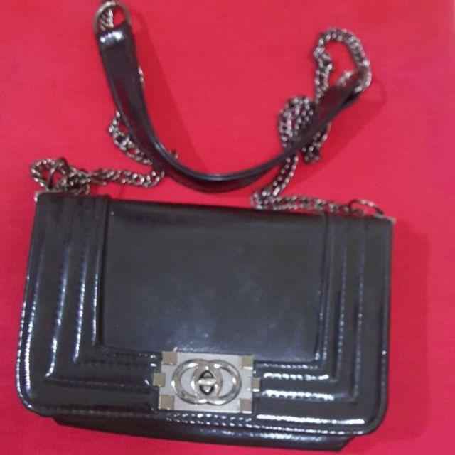 กระเป๋าทรงคล้าย Chanel boy สีดำมัน ไซส์8นิ้ว