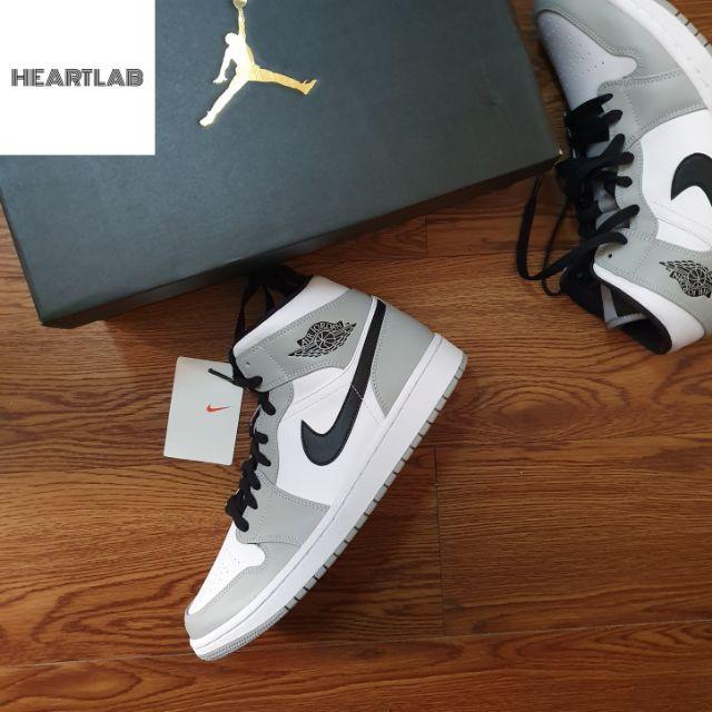 Nike Air Jordan 1 Mid ''Light Smoke Grey''