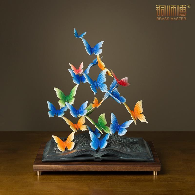 """【ของตกแต่งบ้าน】Bronze Master เครื่องประดับสำริดทั้งหมด """"Books And Butterfly Dance"""" Butterfly Home Bookcase Tv Cabinet Decorations Bronze Crafts"""