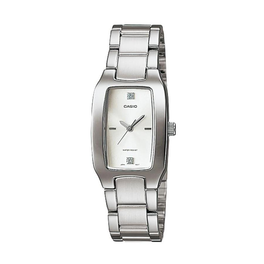 Casio Standard นาฬิกาข้อมือผู้หญิง สายสแตนเลส รุ่น LTP-1165A,LTP-1165A-7C2 - สีเงิน