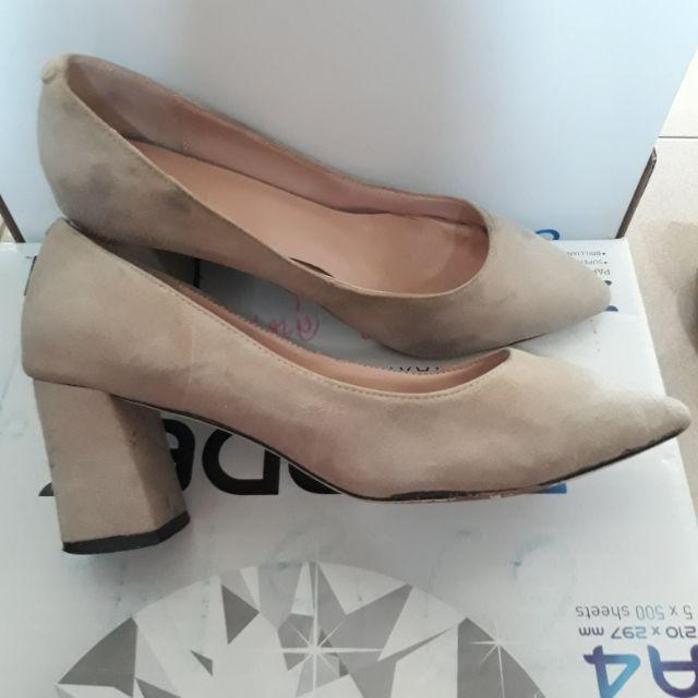 รองเท้าคัชชู ผู้หญิง  มือสอง ไซน์ 37 สีน้ำตาล