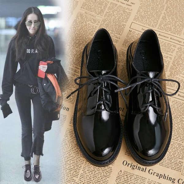 รองเท้าคัชชู ใส่สบาย สำหรับผู้หญิง รุ่นสีเรียบใส่ทำงาน รองเท้าหนังขนาดเล็กผู้หญิงส้นกลางบวกกำมะหยี่แบนสีดำทั้งหมดตรงกับพ