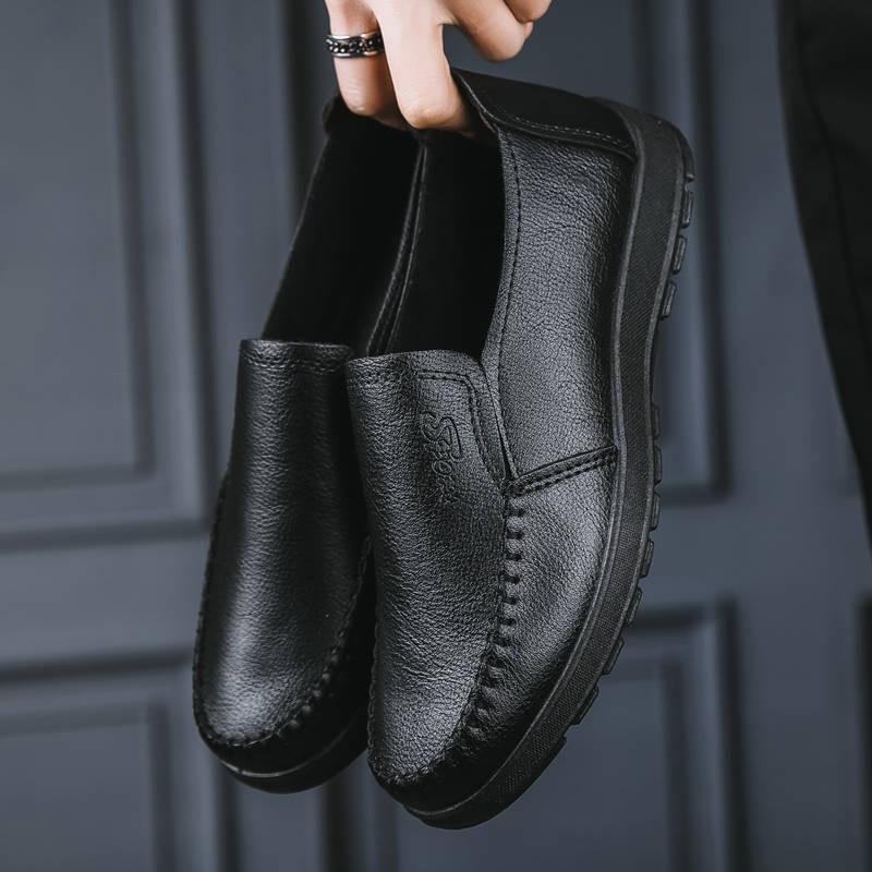รองเท้าชาย รองเท้าคัชชูผู้ชาย 2020 ฤดูใบไม้ผลิใหม่ธุรกิจสบาย ๆ รองเท้าหนังกันลื่นรองเท้าผู้ชายสีดำระบายอากาศได้นุ่มสบายห