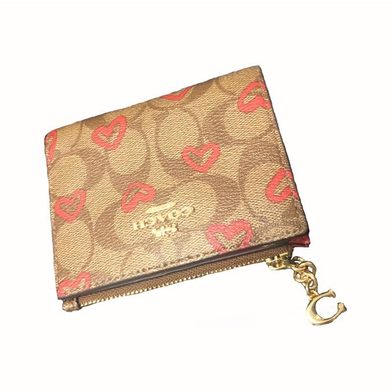 กระเป๋าสตางค์ของสุภาพสตรีกระเป๋าเงินเหรียญสองใบซื้อโดยตรงสั้นใหม่สหรัฐอเมริการักสตรอเบอร์รี่/หัวเข็มขัดcoachกระเป๋าสตางค